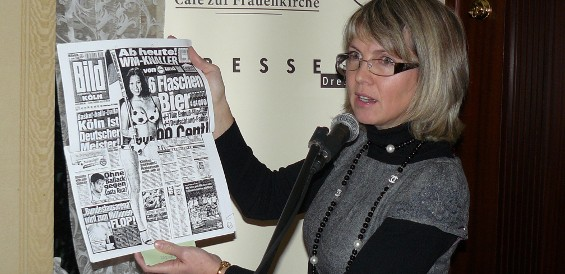 Katrin Saft zeigt eine gemeinsame zulässige Aktion von Bild und Lidl