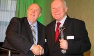 Ein Amt mit gesundheitsfördernden Folgen - Prof. Dr. Georg Milbradt ist sechster Grünkohlkönig