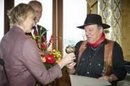 Presseclub-Vorstand Bettina Klemm und Oliver Riebl gemeinsam mit Gunter Demnig, Foto: Tobias Koch