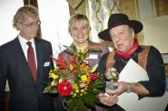 V.l.: Oliver Riebl, Bettina Klemm und Gunter Demnig, Foto: Tobias Koch