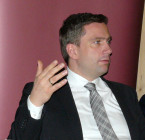 Duale Ausbildung soll Qualität stärken - Martin Dulig im Clubgespräch mit Peter Stawowy